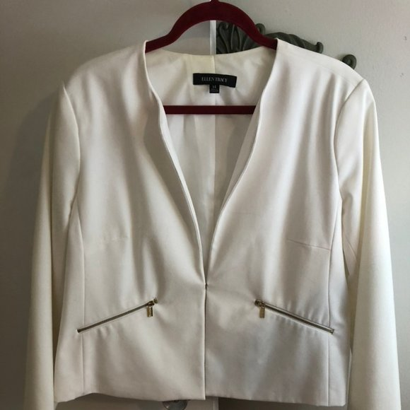 Ellen Tracy Jackets & Blazers - White Ellen Tracy with gold zipper pockets size 14
